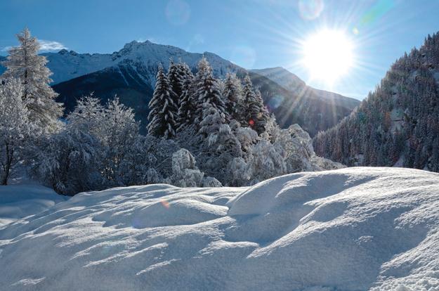 Beim Skitourengehen warten wunderschöne Winterlandschaften