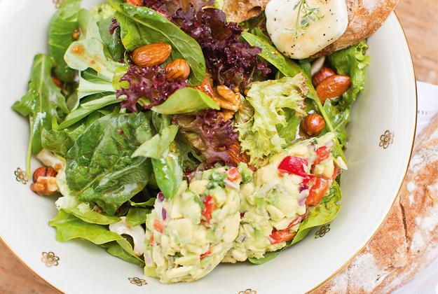 Spinat und Blattsalate