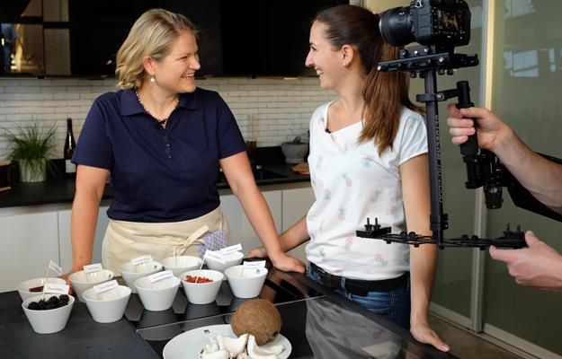 Annette Glücklich kocht für medpex mit Superfoods