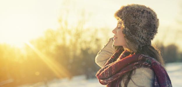 Sonnenlicht bei Winterspaziergang